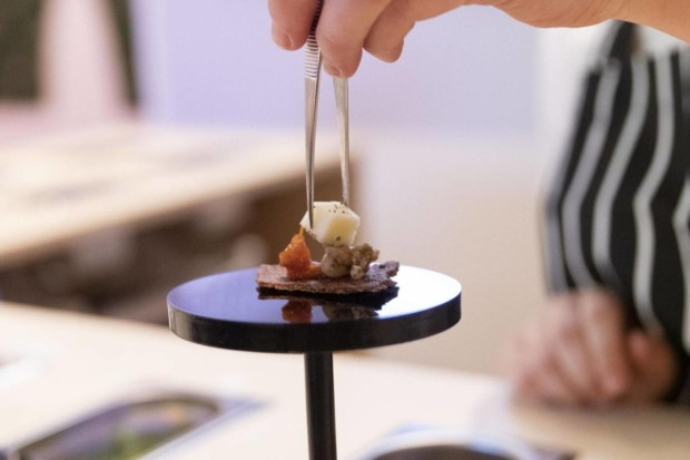 http://genomicgastronomy.com/wp-content/uploads/2019/07/center-for-genomic-gastronomy-loci-food-lab.-installation-image-at-food-bigger-than-the-plate-at-va-c-the-artist.-photo-victoria-and-albert-museum-london-2-620x413.jpg